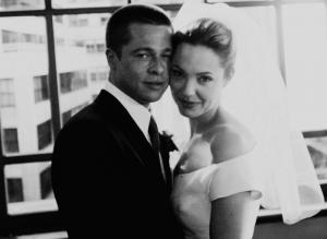 angelina-jolie-brad-pitt-wedding-scene