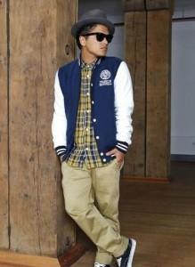 bruno-mars-images-celebrity-photo-street-style-fashion