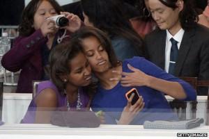 _67944812_obama-girls