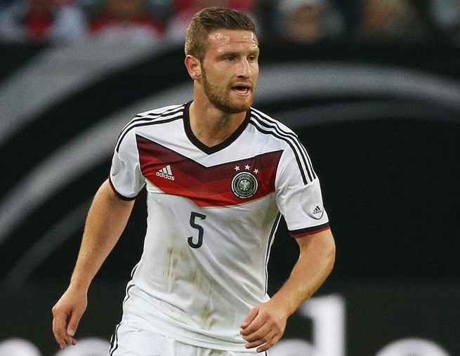 Mustafi playing for Germany in Euro 2016